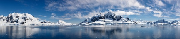Antarctic tourism is tempting mainly to Americans and Chinese travelers