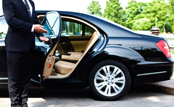 Travel Agents Use Private Airport Transfer Service