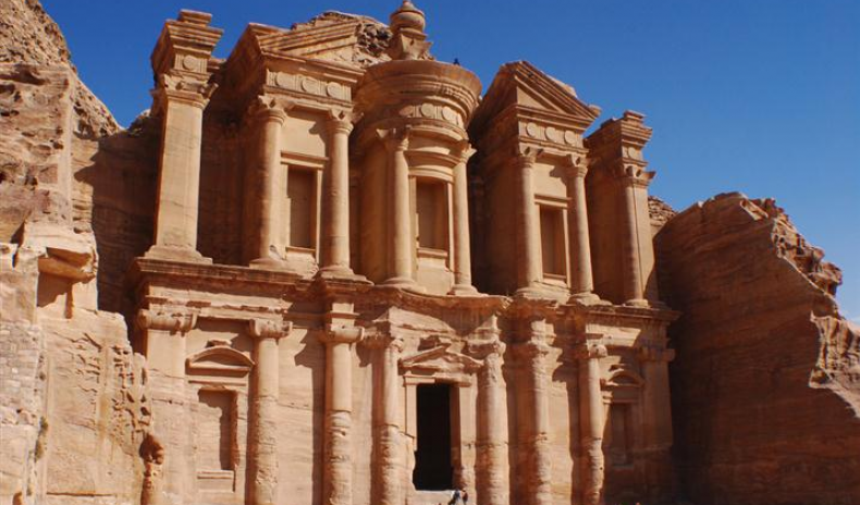 JORDAN EXPECTS GROWING NUMBERS OF VISITORS