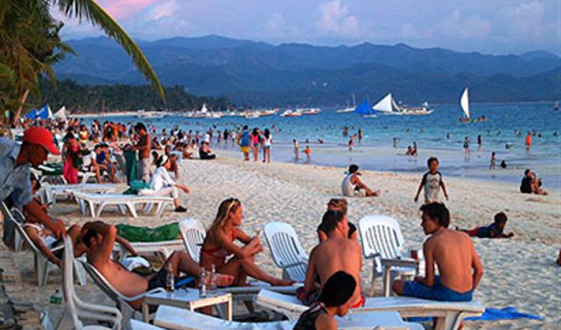 PHILIPPINES: INCOME FROM TOURISM GREW BY 10% IN 2011