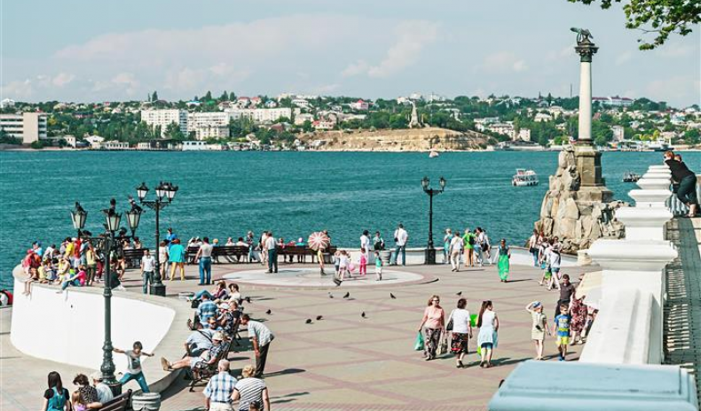 CRIMEA TOURIST NUMBERS DOWN FOR THE LAST MONTHS