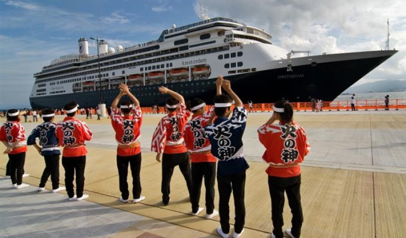 CRUISE TOURISM: JAPAN TO DEVELOP SIX PORTS