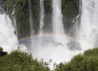 TOP 10 STUNNING WATERFALLS IN BRAZIL