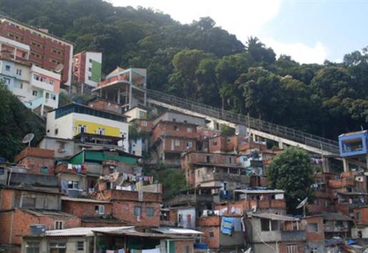 RIO TOP TOUR - WELCOME TO THE SLUMS