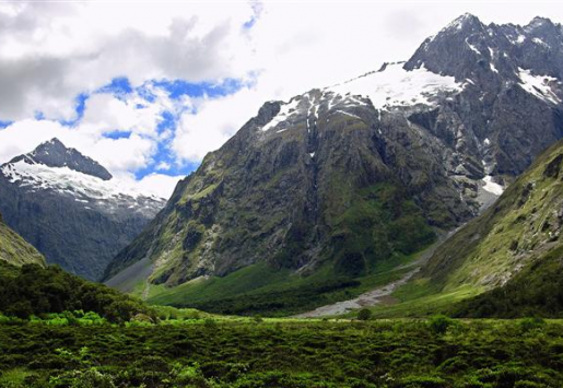 THE NEW HOBBIT TO REVIVE TOURISM IN NEW ZEALAND