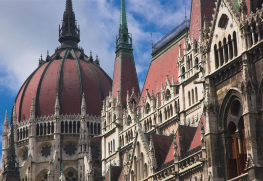 BUDAPEST: THE CITY OF SPAS, DELICIOUS FOOD AND CONCERT HALLS