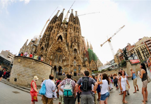 SPAIN EXPECTS 300,000 CHINESE TOURISTS IN 2014