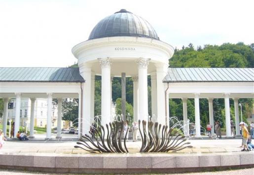CZECH REPUBLIC WELCOMED 14% FEWER RUSSIANS