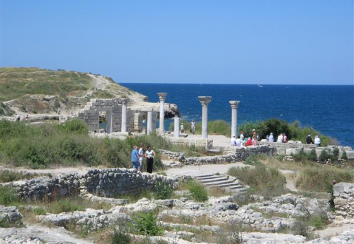 CRIMEA EXPECTS USD2 BILLION FROM SUMMER TOURISM
