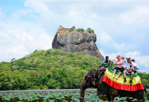 SRI LANKA: CHINESE ARRIVALS HELP TOURISM EARNINGS GROW 6.6%