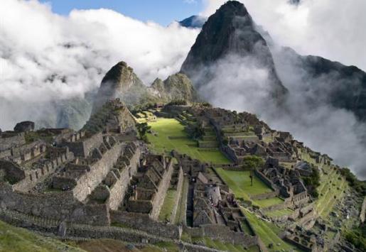 MACHU PICCHU RECEIVES OVER 3,000 TOURISTS PER DAY