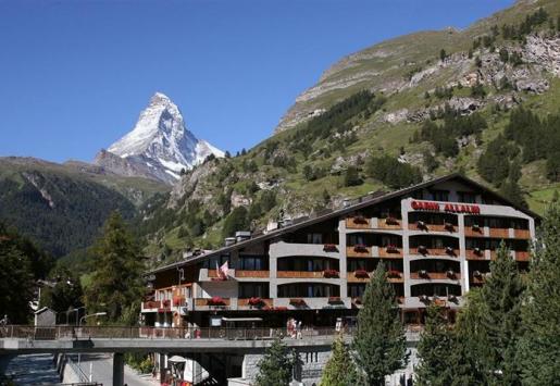 SWISS HOTELS FIGHT DECREASING OVERNIGHT STAYS