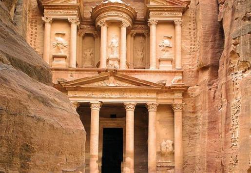 JORDAN TRIES TO REVITALIZE STRUGGLING TOURISM IN PETRA
