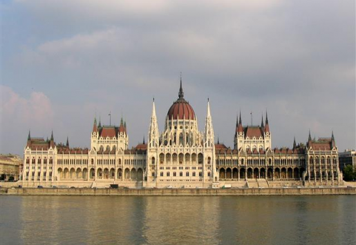 INCREASE IN UK AND US TOURIST ARRIVALS BOOST HUNGARY'S TOURISM