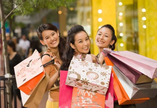 CHINESE TRAVELERS TO SPEND $229 BILLION IN FOREIGN COUNTRIES IN 2015