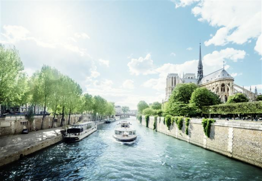 FRENCH TOURISM PLANS 100 M VISITORS IN 2020