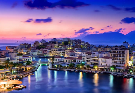TOURISM IN GREECE REPORTS AN INCREASE