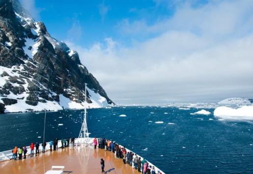 ANTARCTIC TOURISM BOOMING, CHINESE VISITORS INCREASING