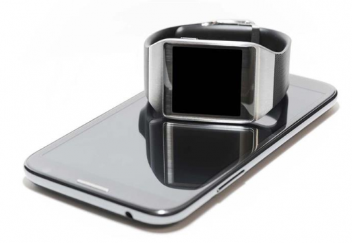 Useful Features of Smartwatches for the Travelers